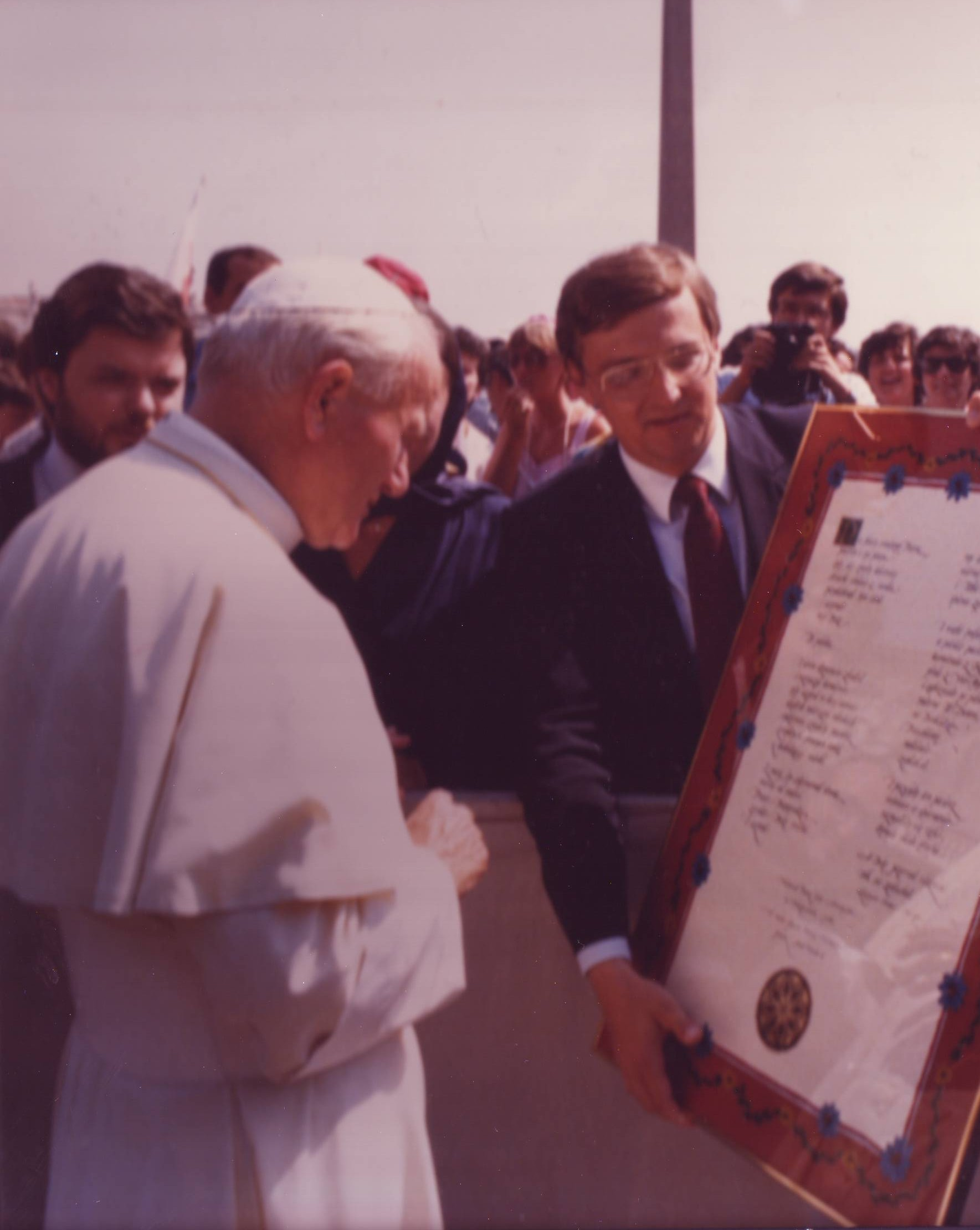 Voice of America Polish Service - VOA Polish Service Chief Ted Lipien with Pope John Paul II at the Vatican, futher back VOA Director Kenneth Y Tomlinson and his wife Rebecca Moore Tomlinson.