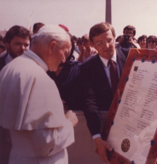 Tomlinson on Voice of America coverage of Pope John Paul II